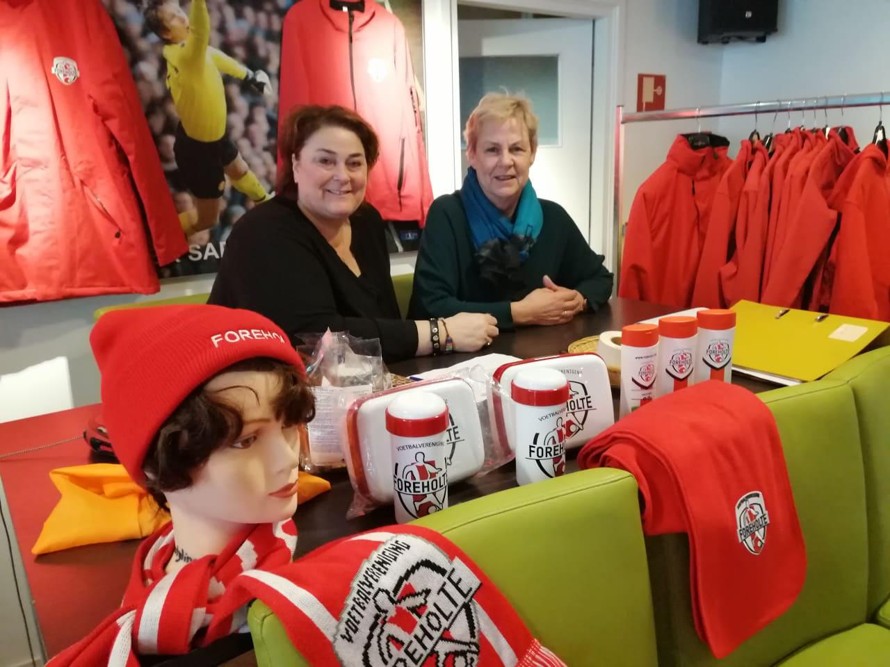 In gesprek met... Deborah Schrama en Marijke Regeer