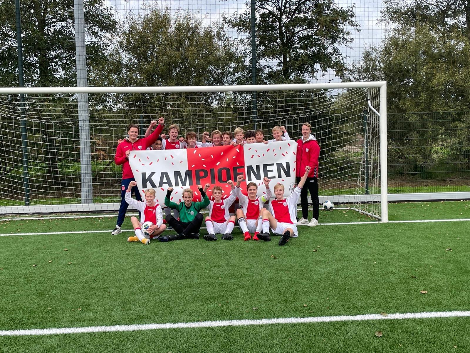 Eerste jeugdelftallen vieren kampioensfeest